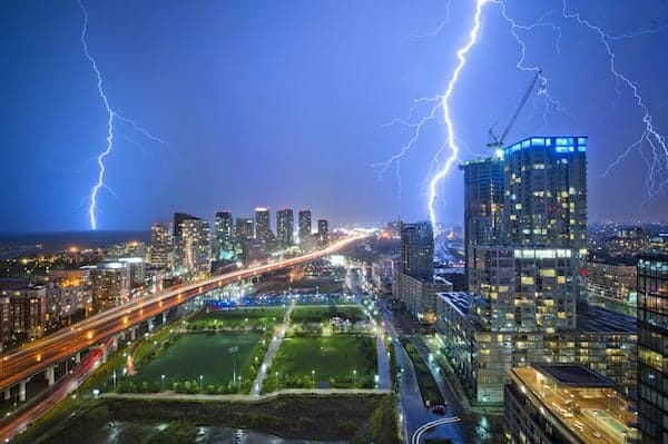 HDR Lightning: Magic of Digital Photo Post Processing