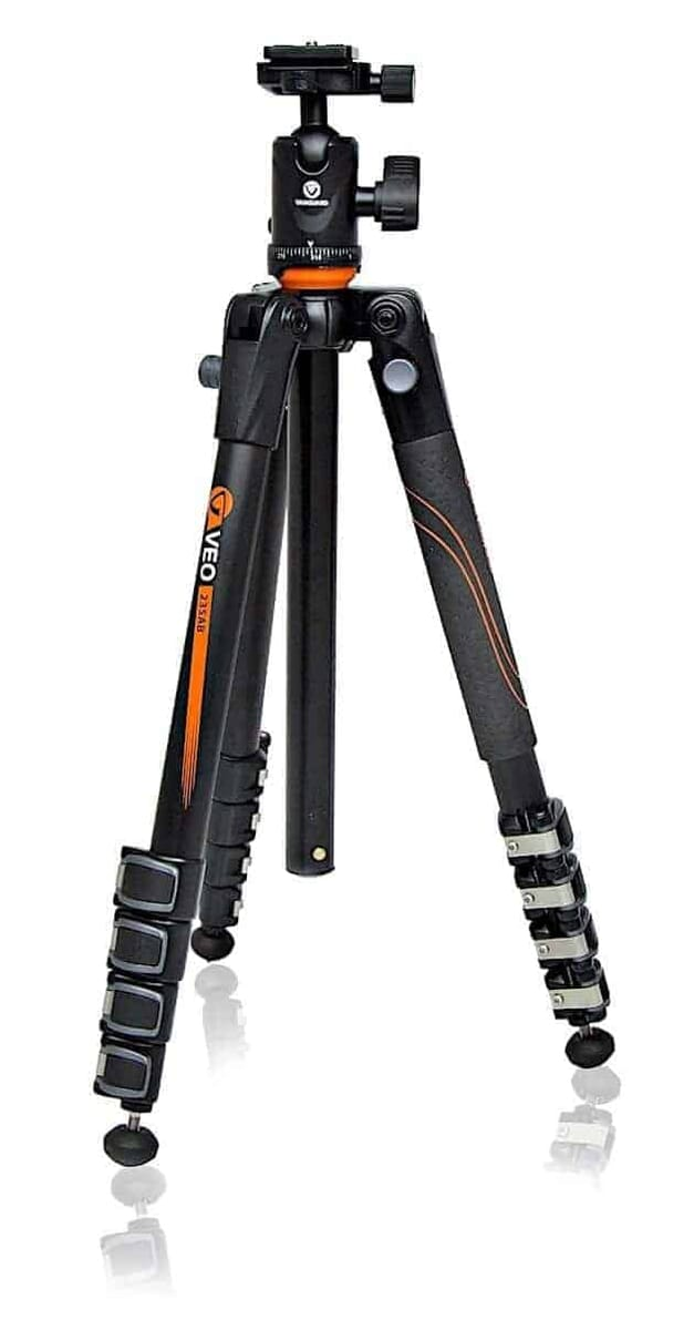 Great Tripod for under USD 200: Vanguard VEO 235AB Aluminum Travel Tripod with Ball Head