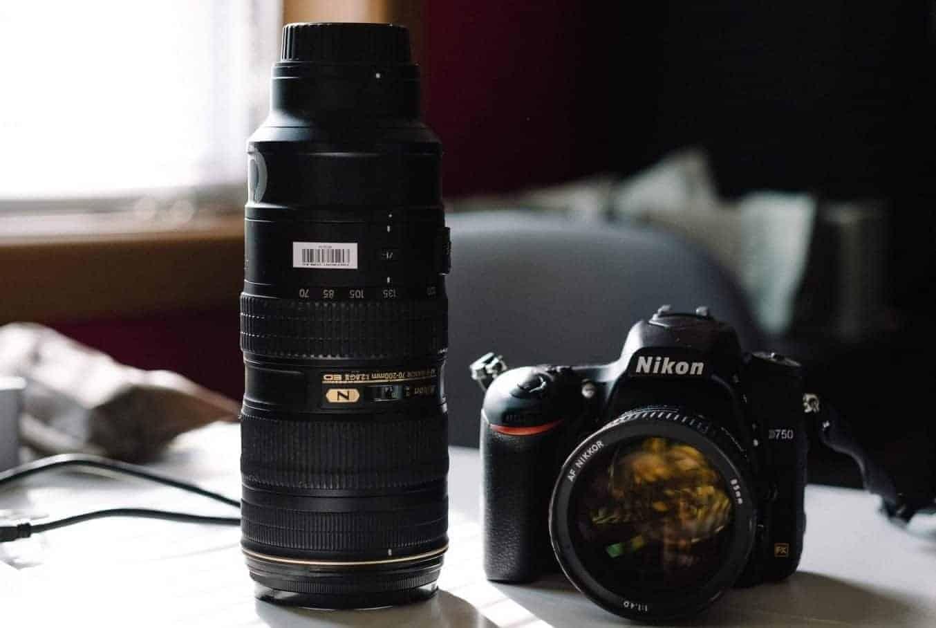 best zoom lens mid range 70-200