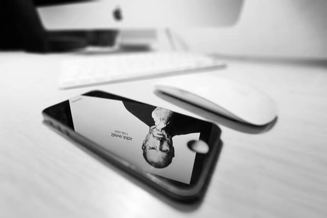 Stef Jobs on iPhone. Example of Stock Photo by Stefan Holm