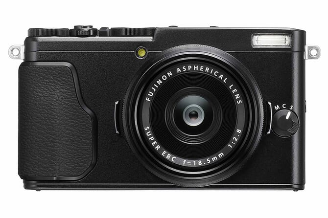Fujifilm X70 touchscreen compact camera
