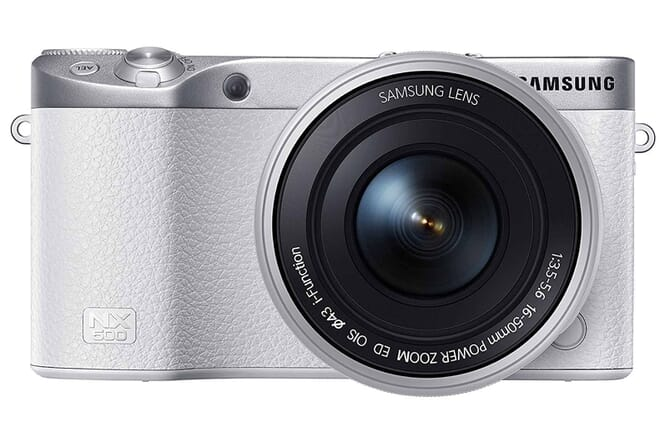 Samsung NX500 touchscreen compact camera