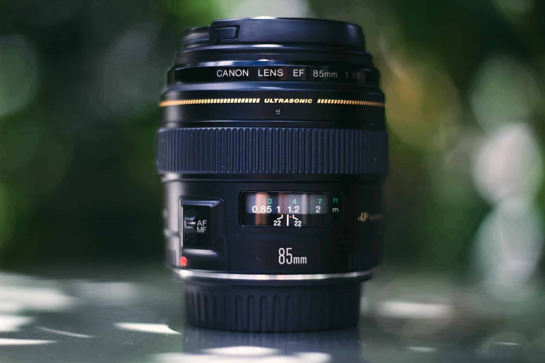 Best Canon DSLR Lenses for Beginners (Compare 13 Top Lenses)