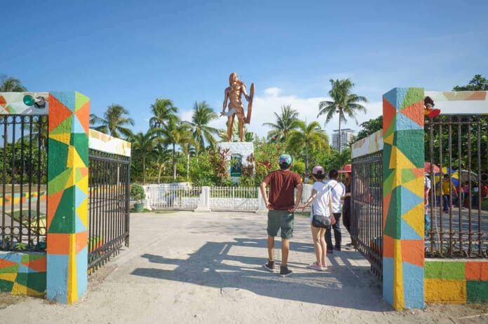 People visiting Lapu Lapu shrine in Cebu