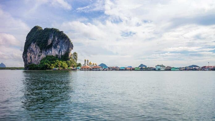 What to photograph in Thailand - Limestone rocks