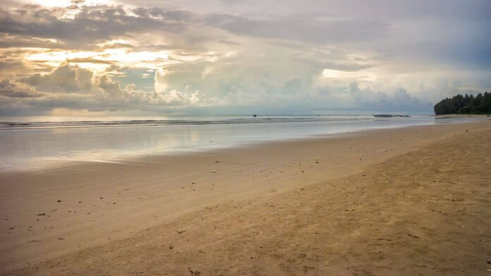 What to photograph in Thailand - Khao Lak Beach