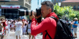 Tips on How to Become a Photojournalist (incl. 14 Free Resources)