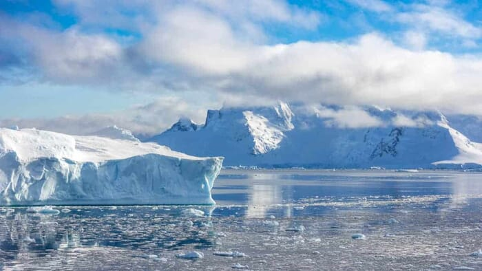 Essential travel photography gear - Landscape shot from Antarctica