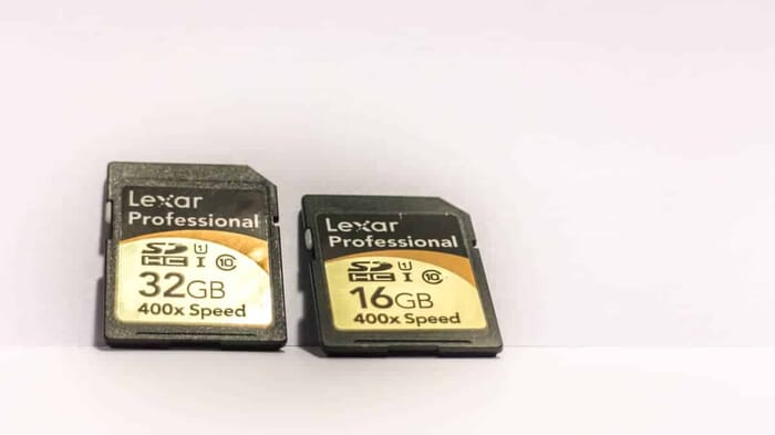 Essential travel photography gear - memory cards