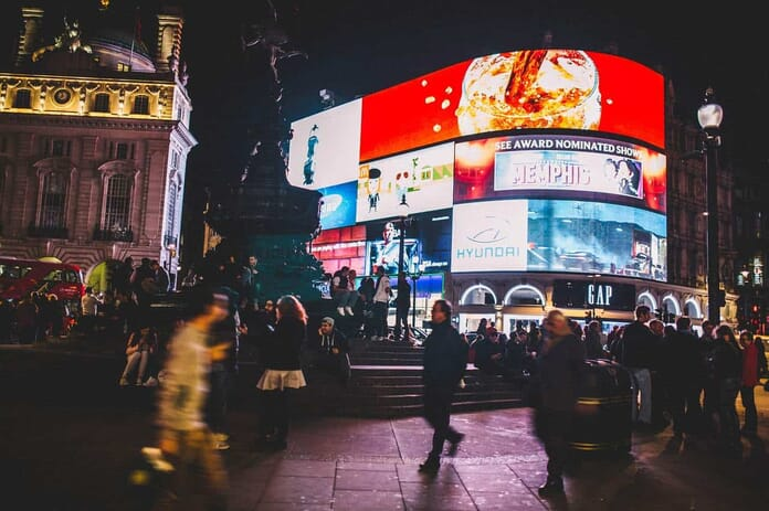 Best Places to Photograph in London - Piccadilly Circus