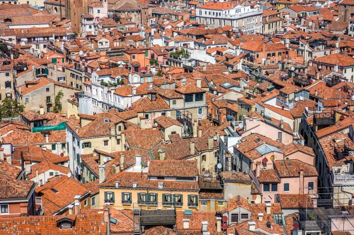 What to photograph in Venice - Terracotta rooftops
