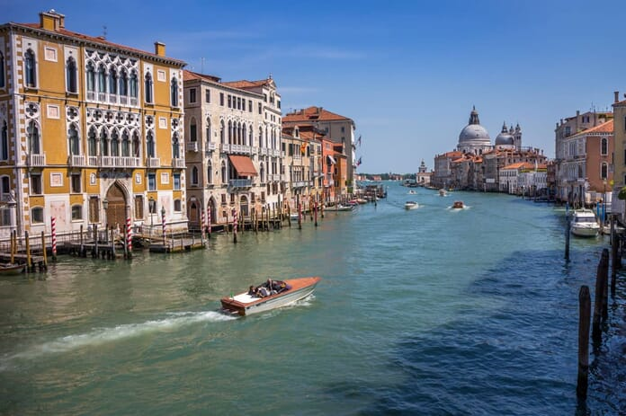 photographing Grand Canal in Venice