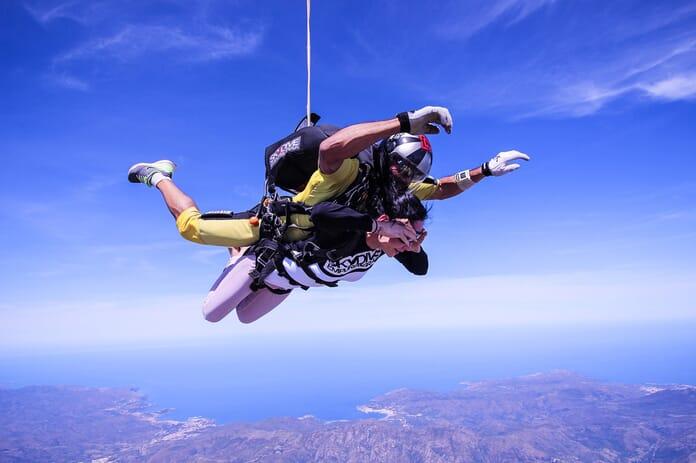 duo free fall image