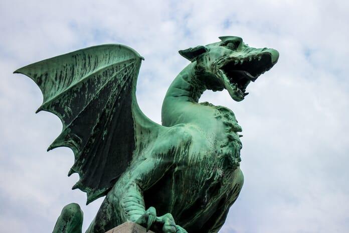 Dragon statues on the bridge