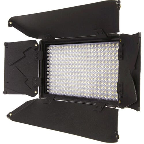 iKan iLED312 best on camera light
