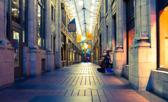 Use leading lines in compositions